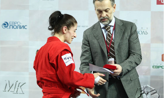 The prize fund of the World SAMBO Cup 2012 amounted to 100 thousand US dollars
