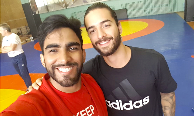 [VIDEO] Maluma Singer at the SAMBO Training