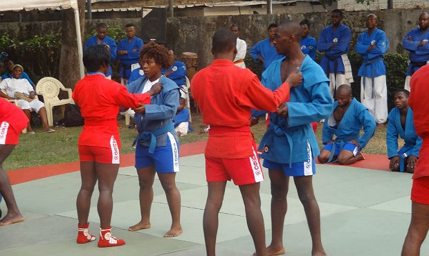 [Photo report]. The sports season opens in Cameroon