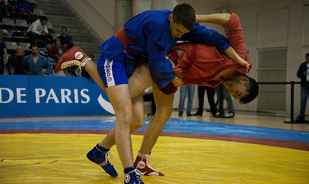Combat Sambo among women and other surprising moments of the Paris Grand Prix 2015