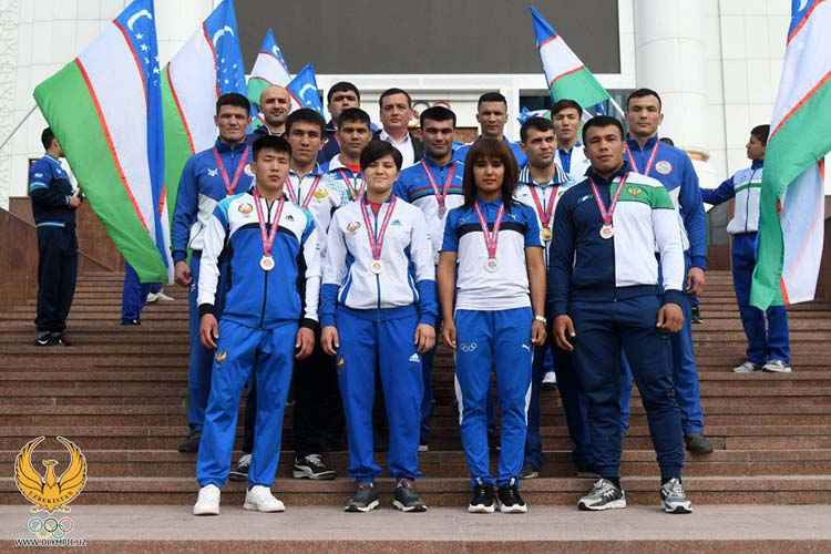 National Olympic Committee of Uzbekistan Awarded Sambists for Their Success at World Cup