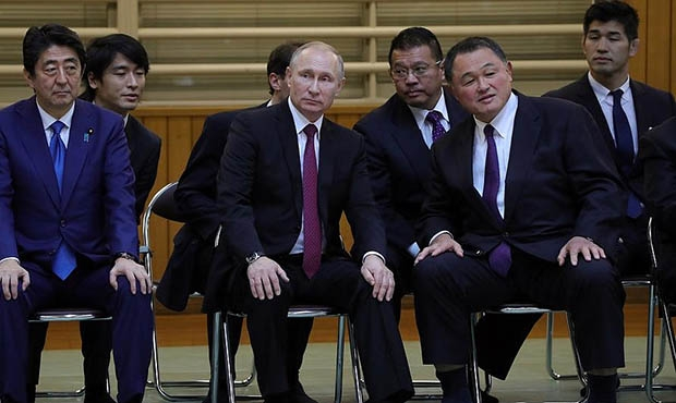 Vladimir Putin discussed the prospects for Japanese SAMBO at the Kodokan Martial Arts Center