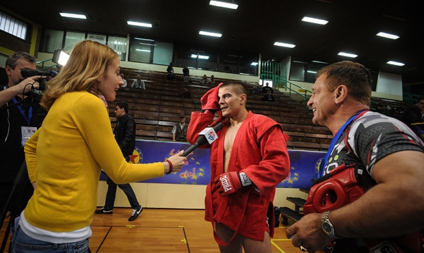 Sambo. European Championship 2015. Winners of the First Day - emotions [video]